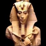 035-02-akhenaton